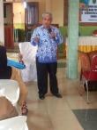 Kabid .PMK Dinkes dr.Saut Pakpahan Menyampaikan materi pada pertemuan Review Program Imunisasi