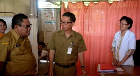 Plt Sekdakab Inhil, H Fauzar saat melakukan sidak ke RSUD PH baru-baru ini. Foto: Mirwan. doc detikriau.org