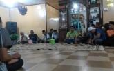 pertemuan warga membahas masalah keberadaan Aneka Zone