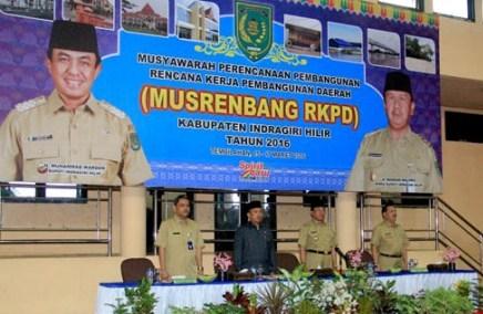 Bupati Inhil HM Wardan (dua dari kanan) saat menghadiri Musrenbang RKPD beberapa waktu yang lalu