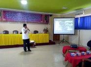 Kadiskop UMKM Inhil DR H Dianto Mampanini SE MT menyampaikan ekspos tentang potensi perkebunan kelapa di Kabupaten Inhil