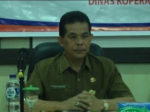 Kepala Diskop UMKM Inhil, DR H Dianto mampanini saat menghadiri kegiatan rakor