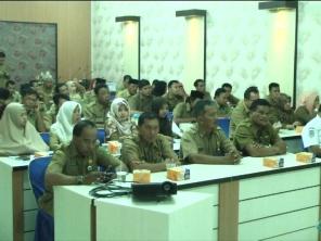 sejumlah peserta Rakor percepatan Penerapan IUMK dan Aplikasi e-planning Izin UMK yang dilaskanakan di Aula kantor Bappeda Inhil