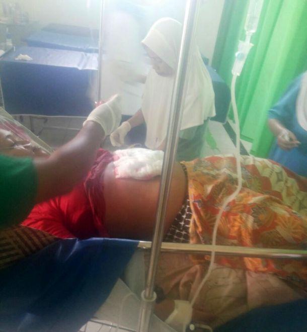 Korban saat mendapatkan perawatan di RSUD Puri Husada Tembilahan