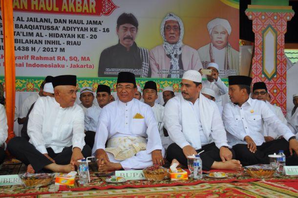 dari kiri: Gubernur Riau Arsyadjuliandi Rachman, Bupati Inhil HM Wardan, Sekdaprov Riau Ahmad Hijazi, Ketua DPRD Inhil Dani M Nursalam.