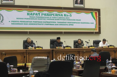 Dari kiri Asisiten I Setdakab Inhil Afrizal Ketua DPRD Inhil H Dani M Nursalam dan Wakil Ketua H Feriyandi dan H Mariyanto
