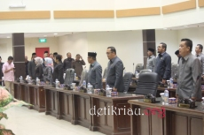 Deretan Sejumlah anggota DPRD Inhil yang mengikuti pelaksanaan rapat paripurna ke 5 masa sidang ke ii tahun 2017 di ruang paripurna gedung DPRD Inhil