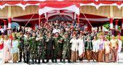 Bupati Inhil HM Wardan foto bersama usai pelaksanaan peringatan detik-detik proklamasi