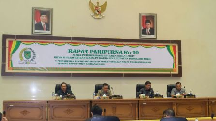 Dari Kiri, mewakili Bupati, Sekda Inhil H Said Syarifuddin, para Wakil DPRD, H Ferryandi, H Mariyanto dan H Sahruddin