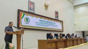 Juru bicara F-PKB, Herwanissitas membacakan pandagan Fraksi