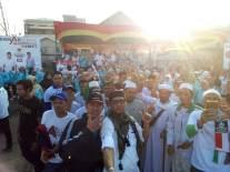Laskar FPI Inhil, Mak-Mak Milenial Inhil dan relawan foto bareng jelang kegiatan
